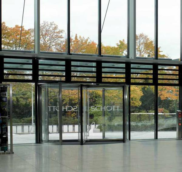 GGG all-glass revolving door